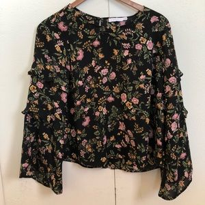 Tops - Bell sleeved floral top